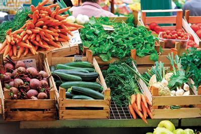 Market Season: Farmers Return to Area Booths