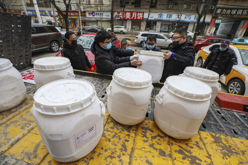 Deaths rise to 132 in China outbreak as foreigners leave