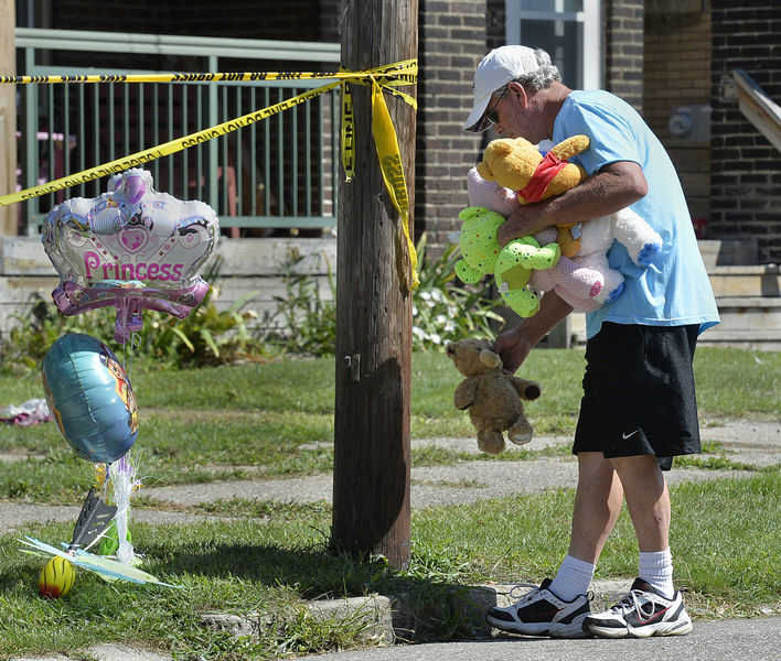 5 children killed in day care center fire in Erie