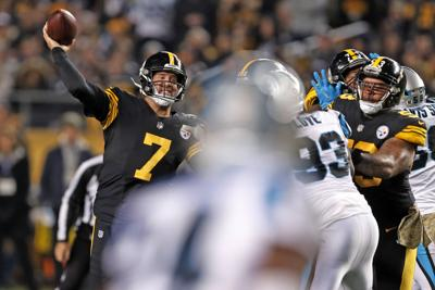 db3d3d797  Big Ben  throws 5 TD passes as Steelers rout Panthers