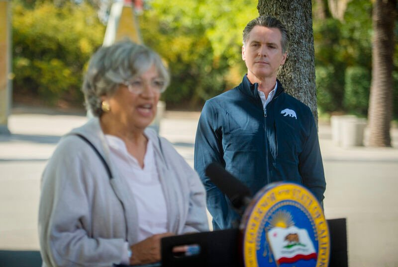 Newsom announces ban on gas vehicles