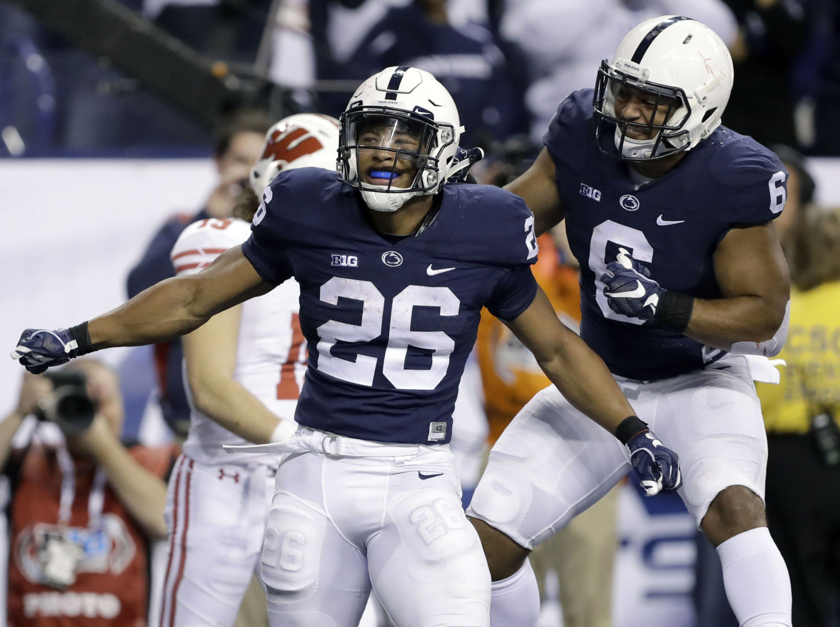 Penn State vs Akron: DeAndre Thompkins scores on 61-yard punt return