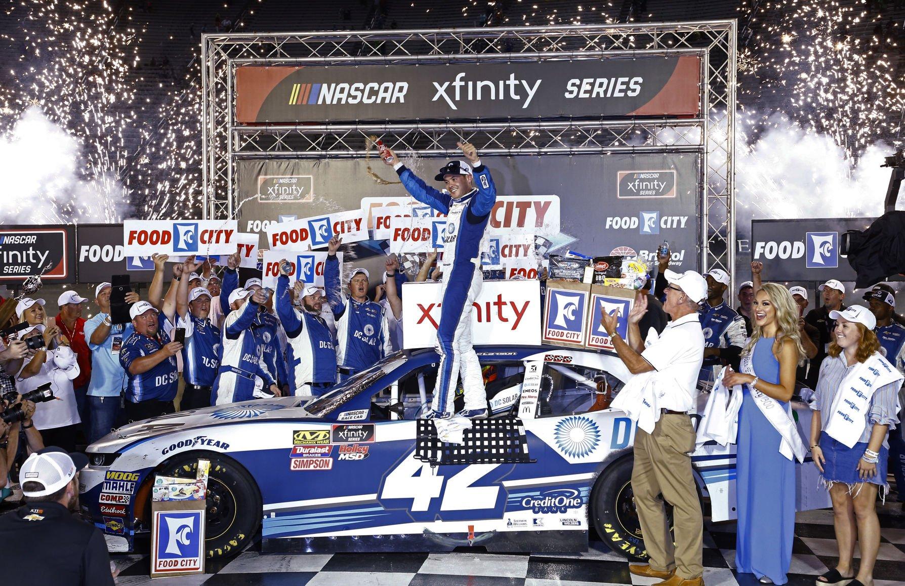 larson captures checkered flag in xfinity race at bristol sports rh sharonherald com