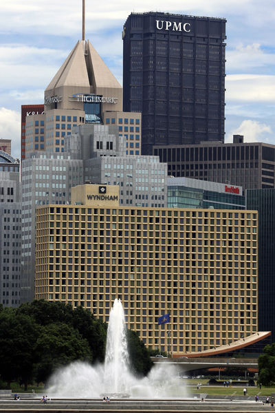 UPMC, Highmark sign 10-year pact