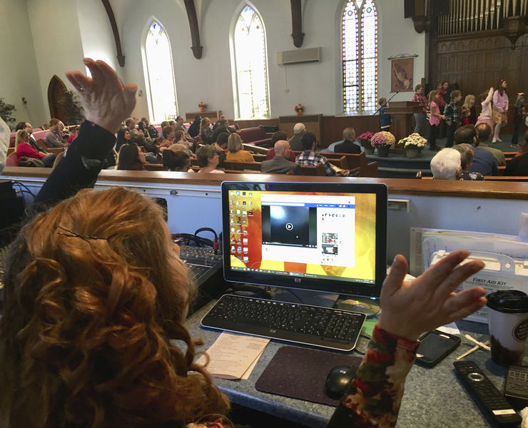 1st Baptist counts its blessings and its 215 years in Sharon praise