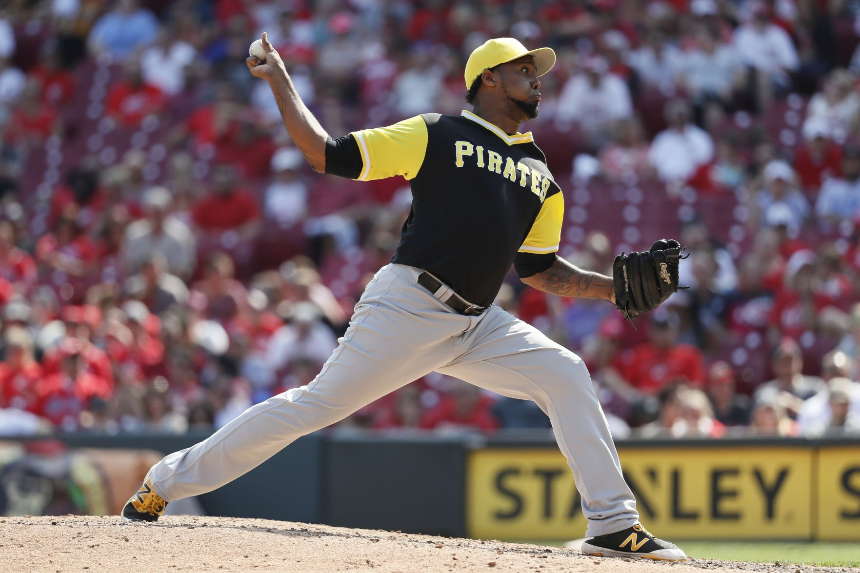 Phillies claim reliever Juan Nicasio off waivers from Pirates