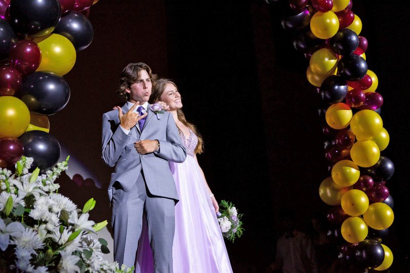 A taste of normal: Life goes on with Grove City prom, drive-in theater event balloons