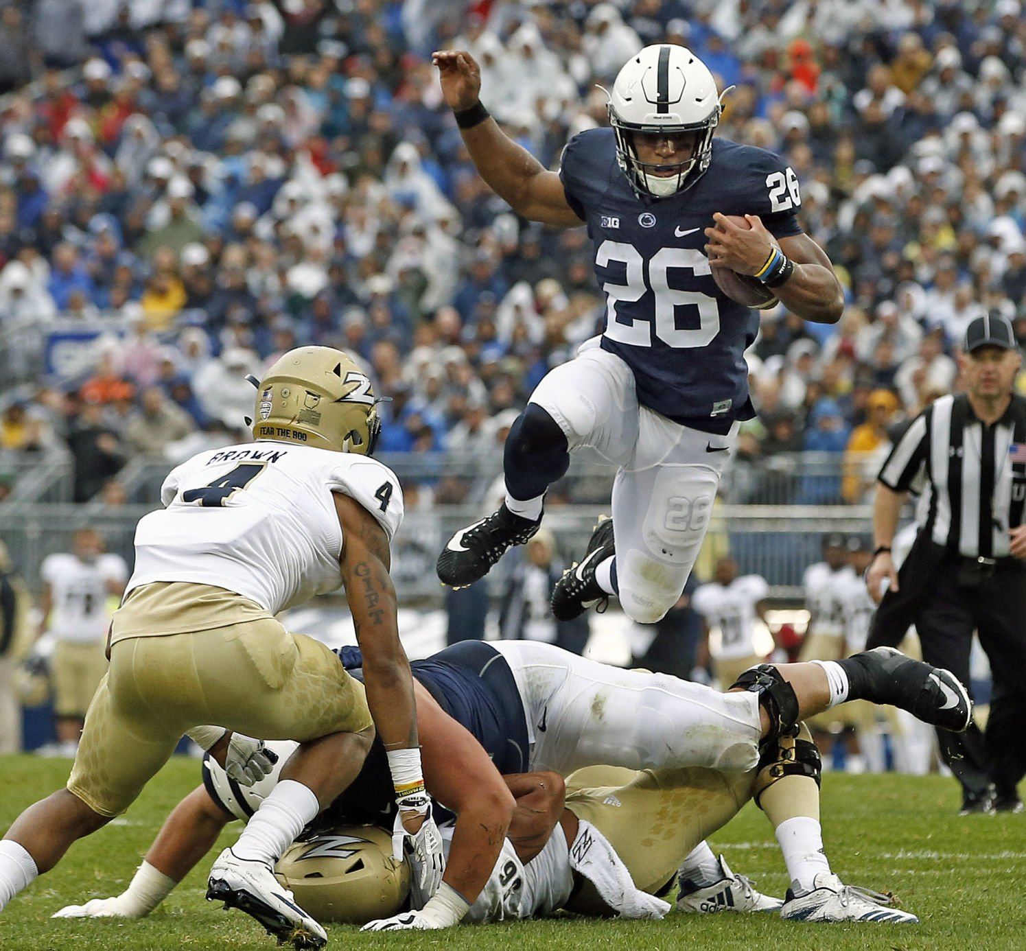No. 6 Penn St. routs Akron, 52-0, at Beaver Stadium