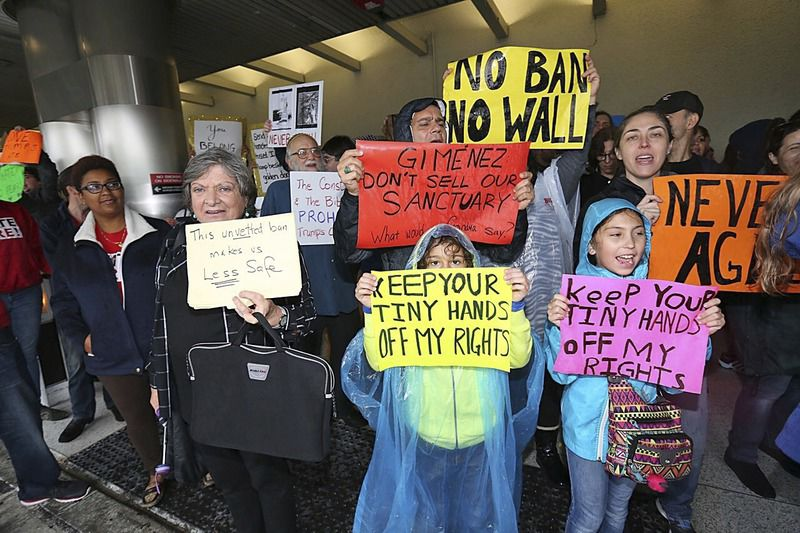 Trump's travel ban creates chaos at nation's airports