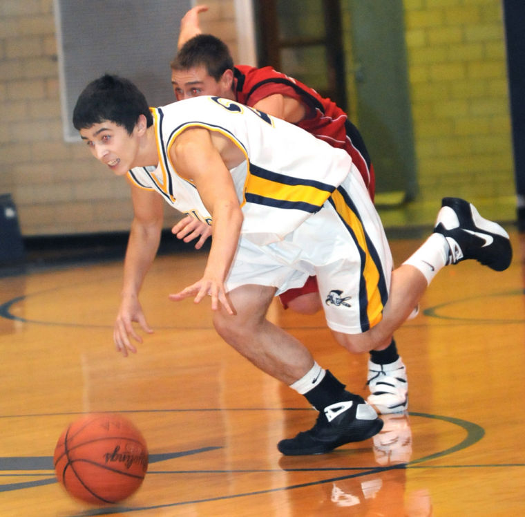 Roundup  Farrell cagers top Hickory 4953732b1