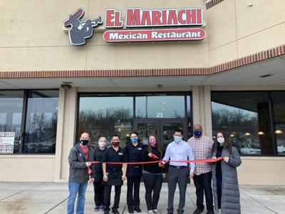Family S Dream Becomes Reality With Opening Of El Mariachi Local News Shipnc Com