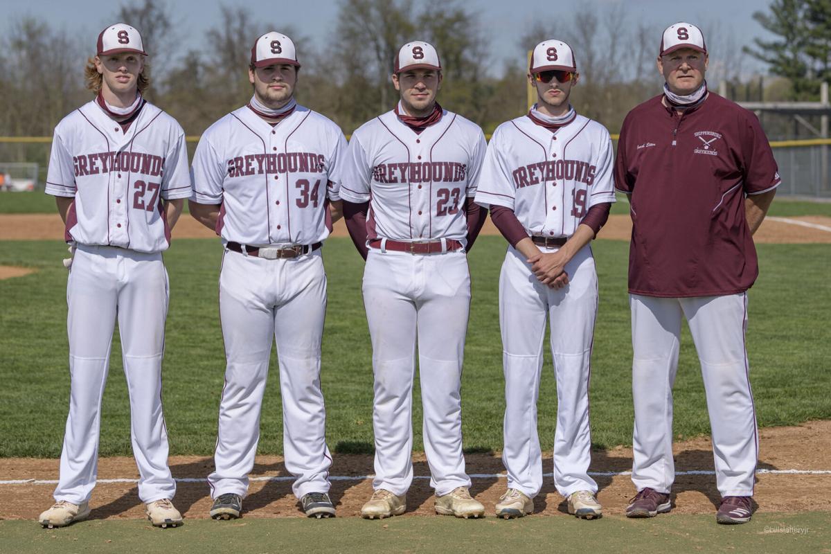 Greyhound Baseball Seniors
