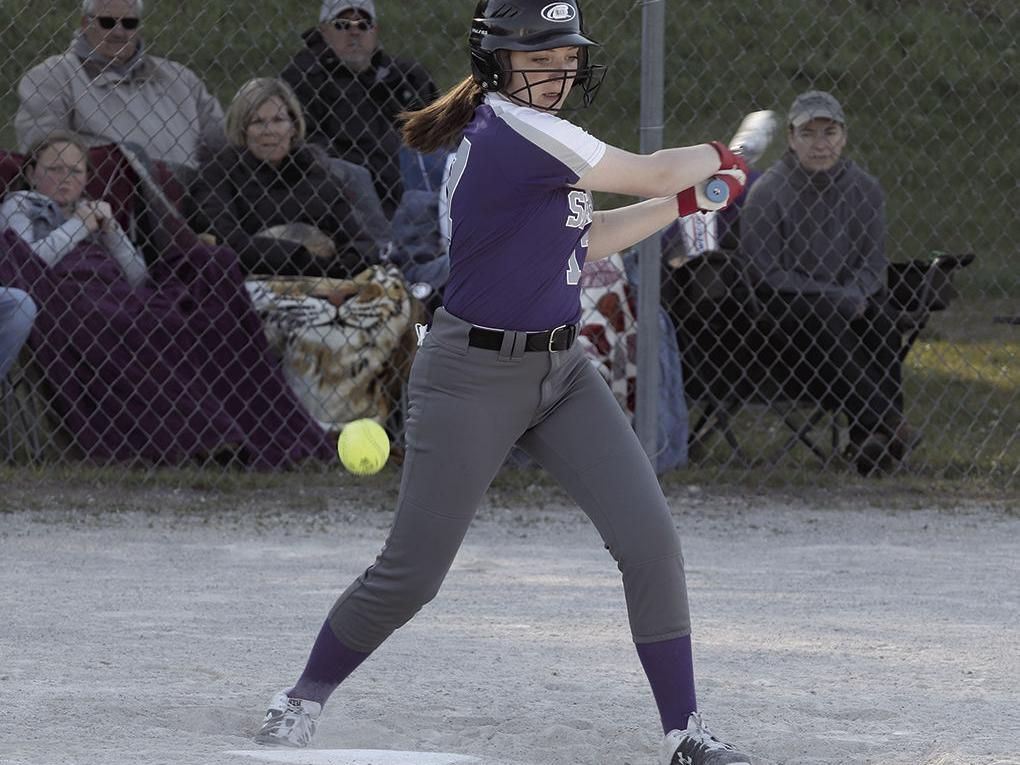 Shelby softball loses doubleheader to Ludington
