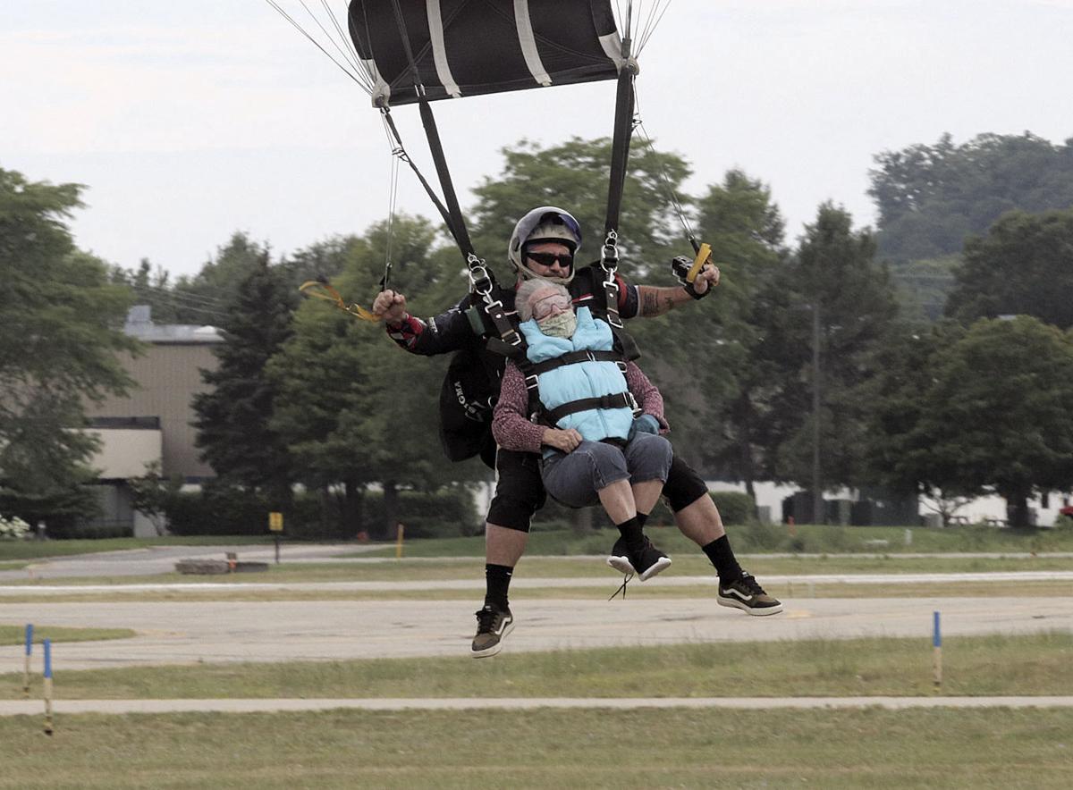 8.6.skydive 3.jpg (copy)