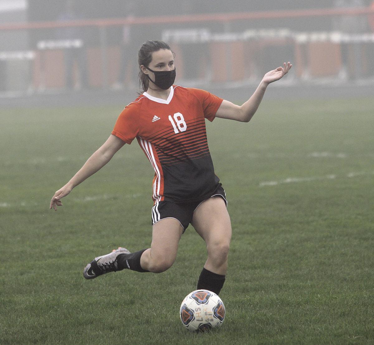 LHS v Manistee girls soccer