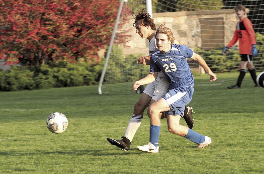 10-17-21.wb.mont soccer 5.jpg