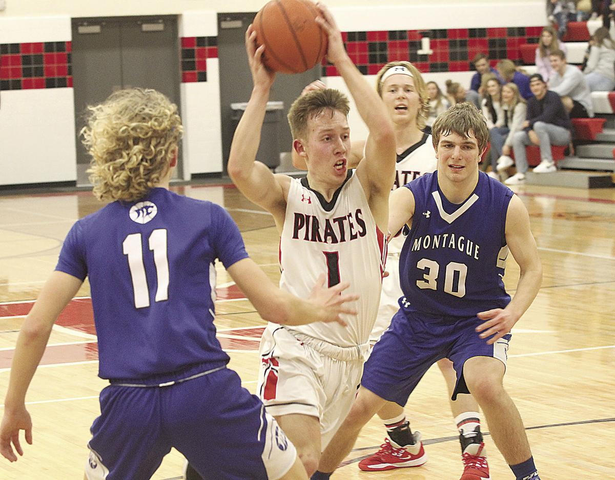 Hart boys fall down early in loss to Montague
