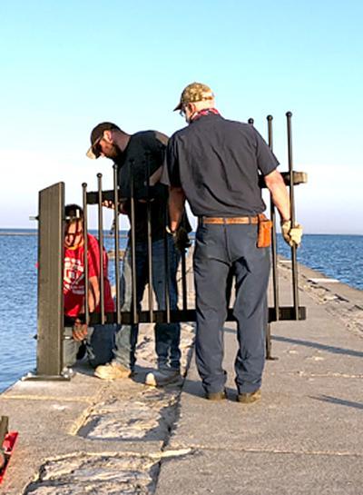 Breakwater gate install