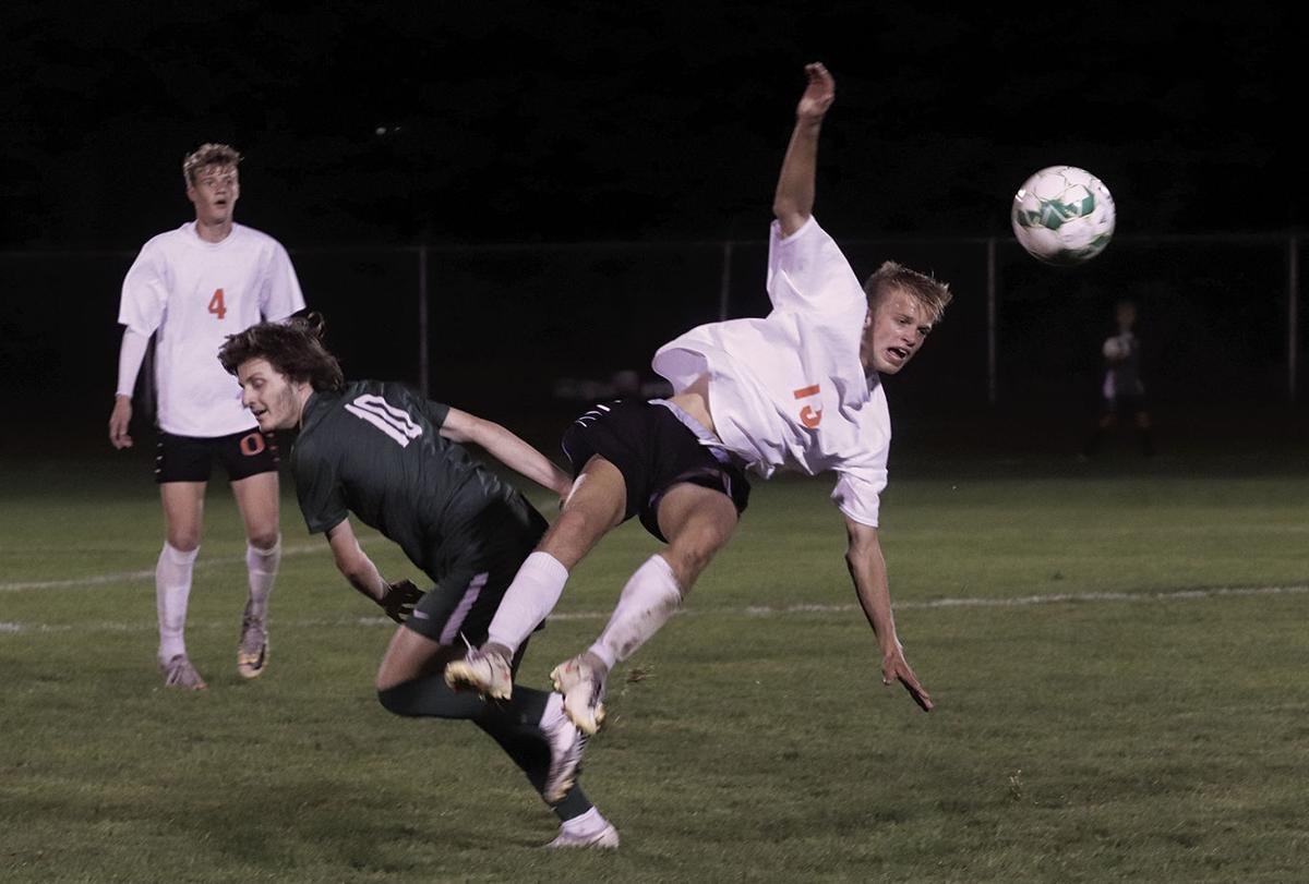 10-17-21.wb.rp soccer 7.jpg