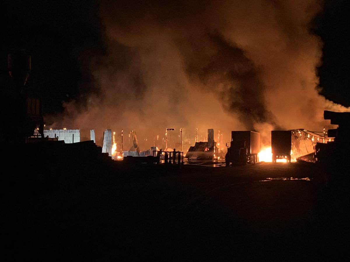 McCormick Sawmill building catches fire (with video) | Ludington