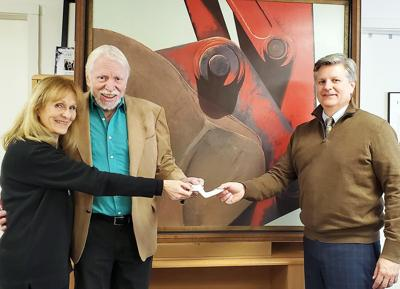 Future Choices founder and Clinton artist Earl Killeen gives $20,000 to support young artists