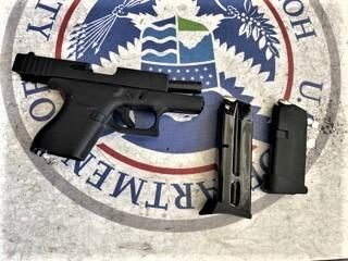 TSA: CT man caught with loaded handgun in carry-on bag