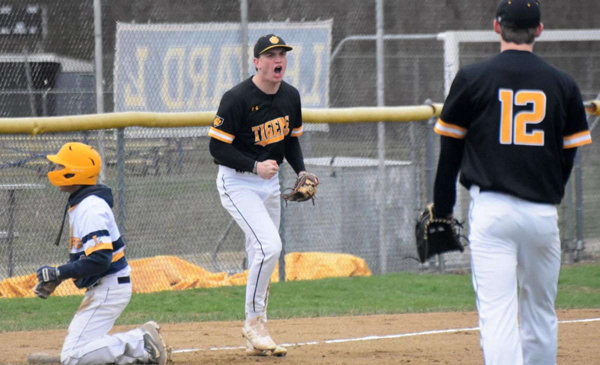 Billings' blast lifts No. 6 Hand over No. 1 Ledyard