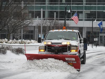NWS: CT drivers should take 'extreme caution' in snow, freezing rain