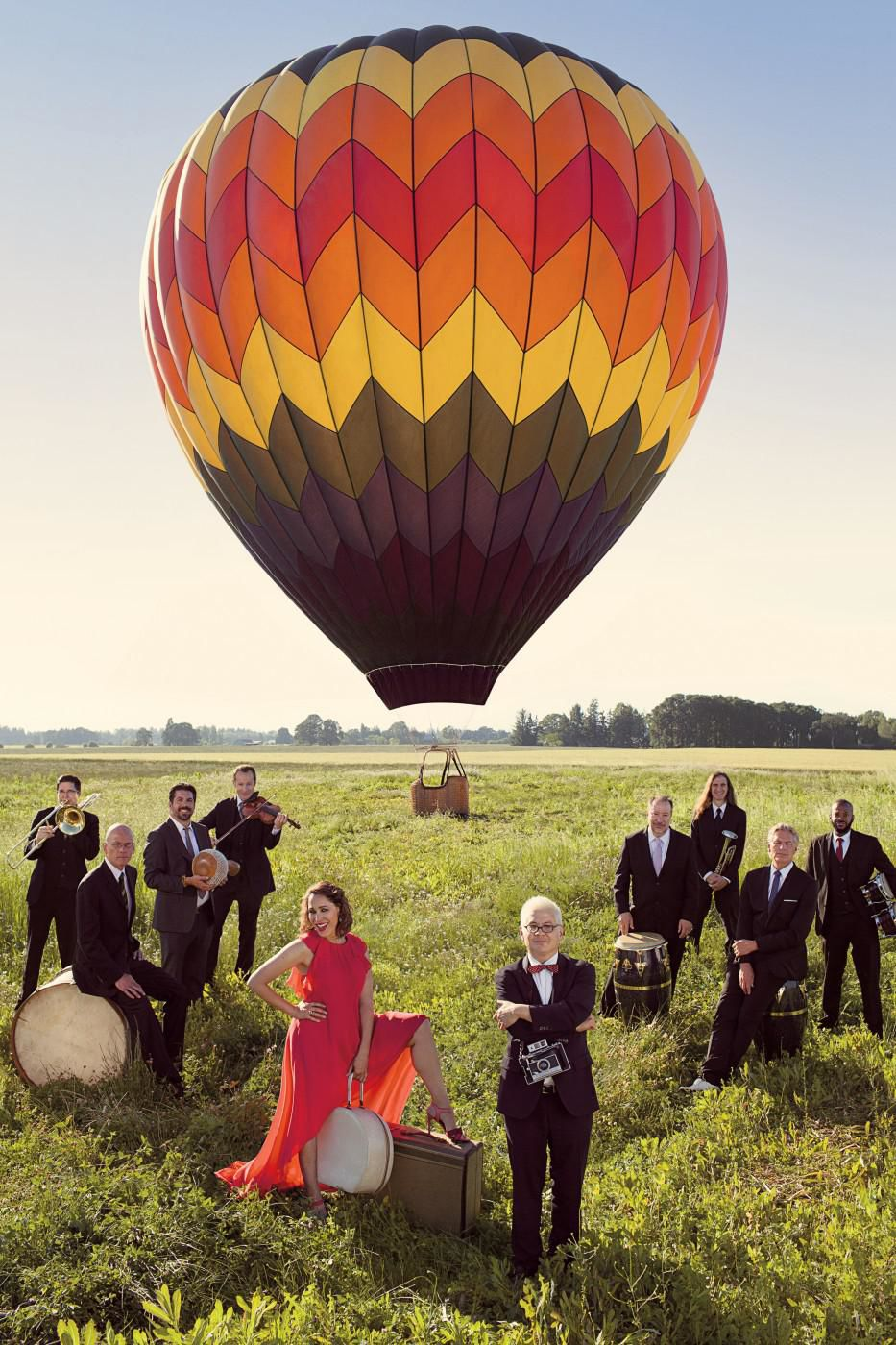 Pink Martini, joined by Meow Meow, visits Shubert in New Haven Sept. 29