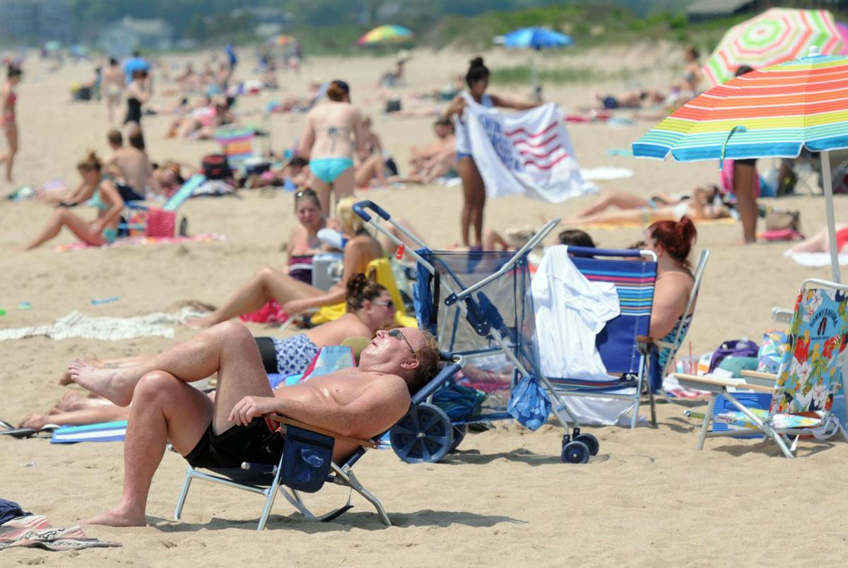 Report: Man has leg amputated after encountering flesh-eating bacteria at Hammonasset Beach State Park