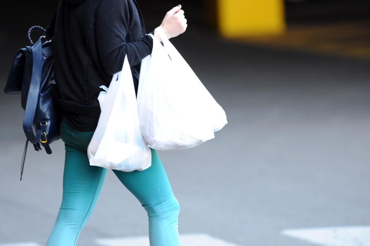 Connecticut shoppers say they're ready for phase-out of plastic shopping bags