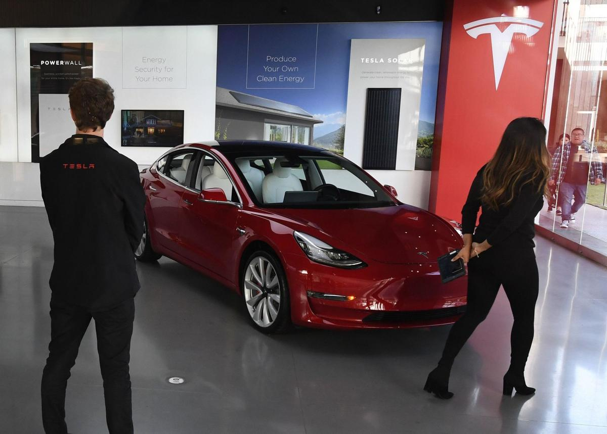 Jacqueline Smith: More than 3,000 people in Connecticut own a Tesla, but you can't buy one here — yet