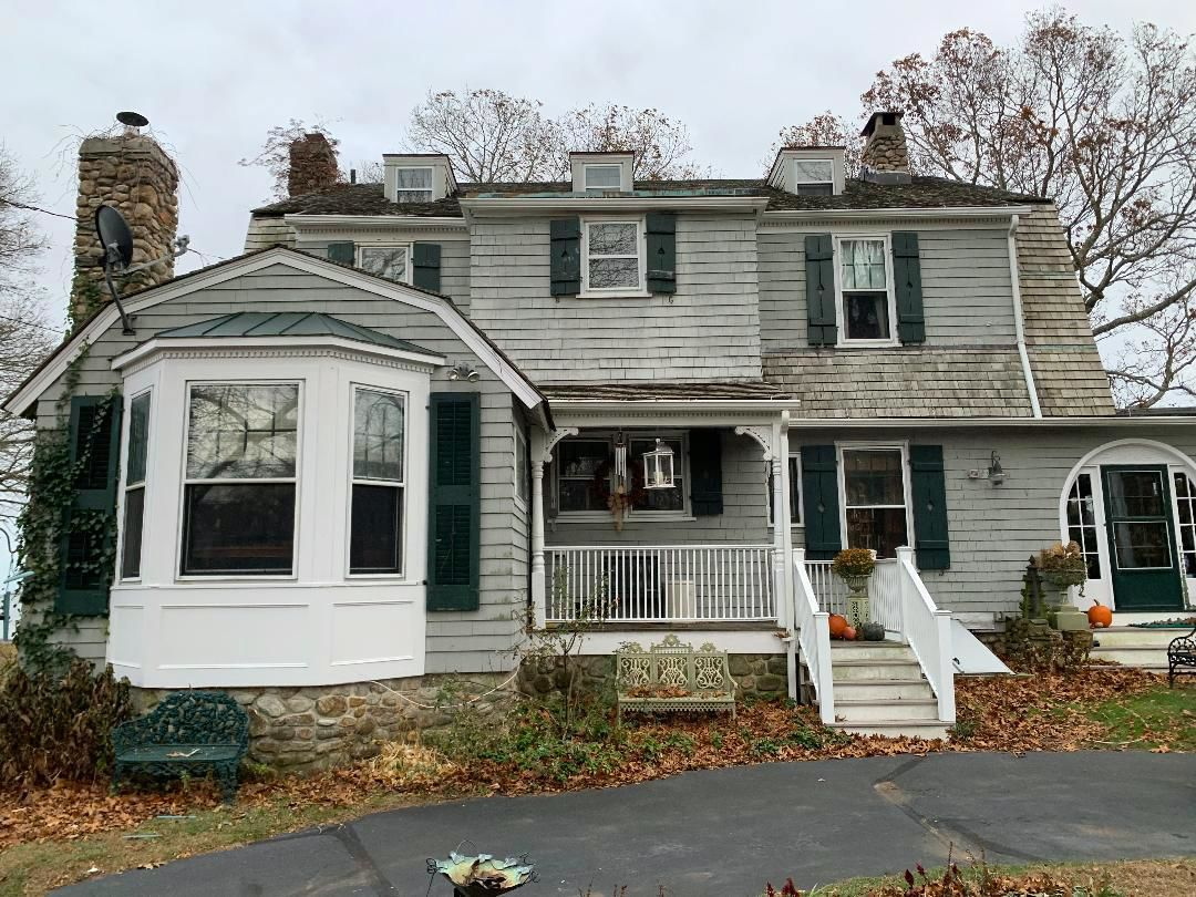 Public can get peek in Clinton's historic Gull Cottage, Nov. 23; for sale $1.2 M