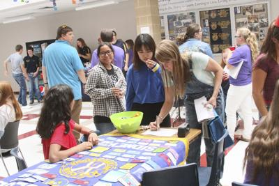Students seek to become active in clubs
