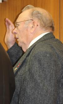 Fairview's Korff sworn in as U.S. citizen