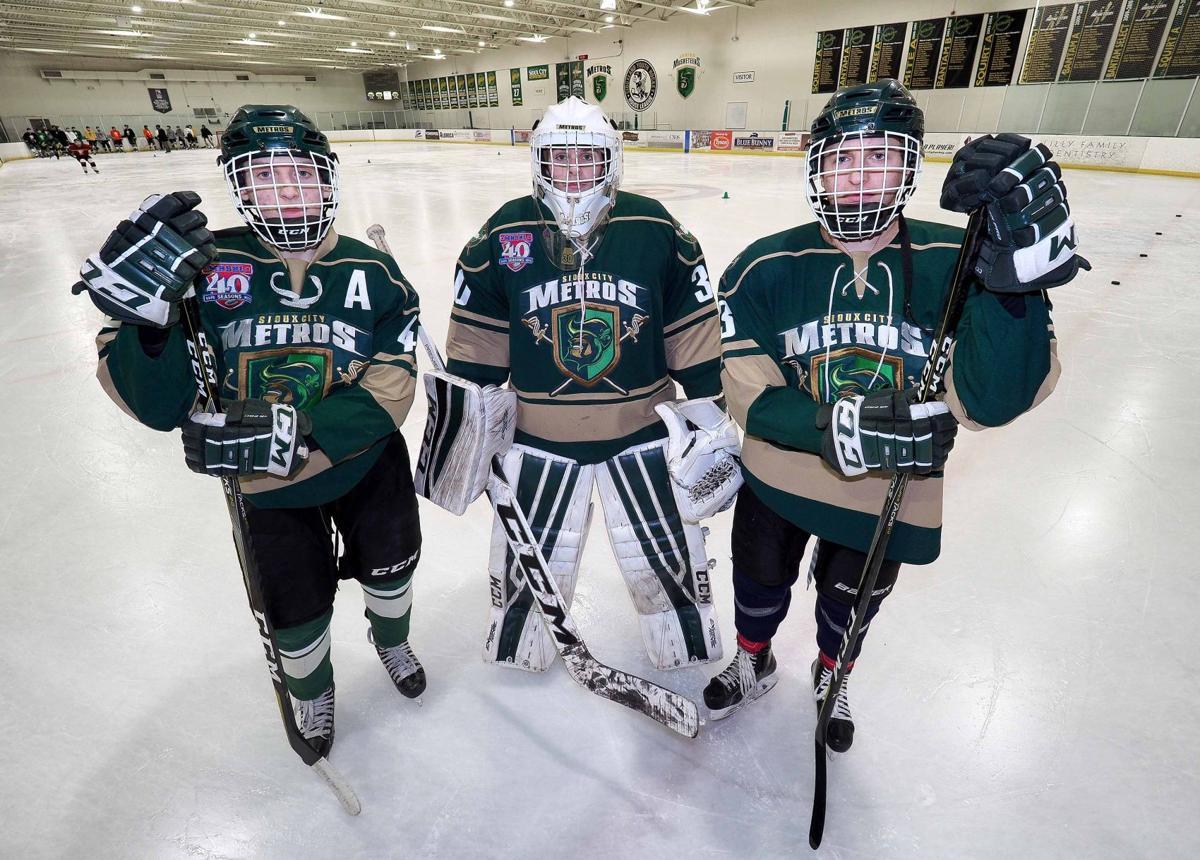 Metros hockey players