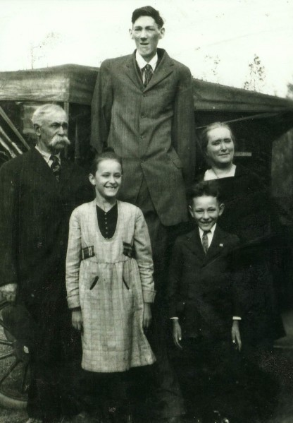 Woobury County Man Deemed Tallest In The World People