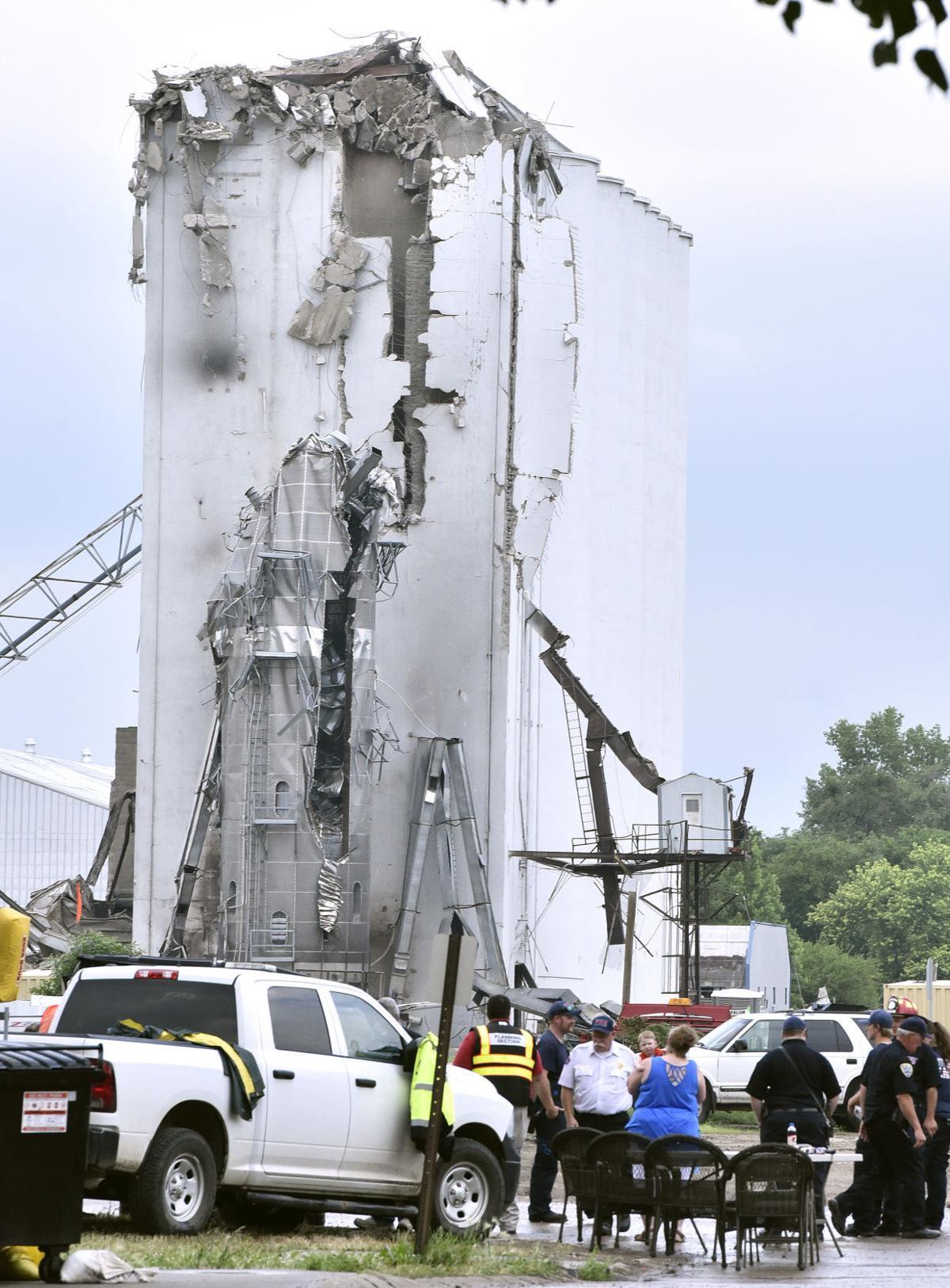 Andersen Farms elevator demolition