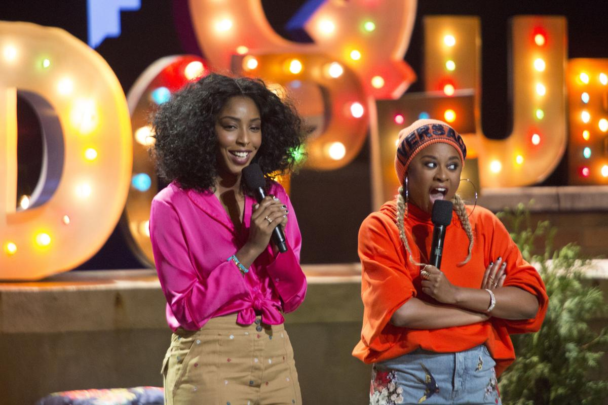 ENTER TV-TWODOPEQUEENS-REVIEW 2 LA