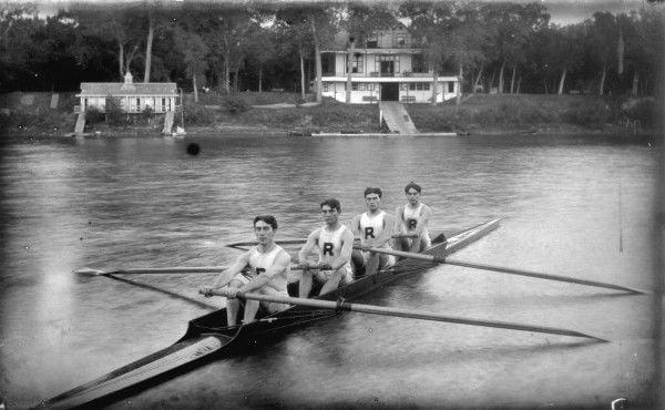 Riverside Boat club crew