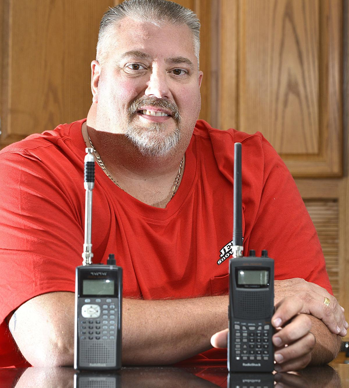 Silent police radio scanners