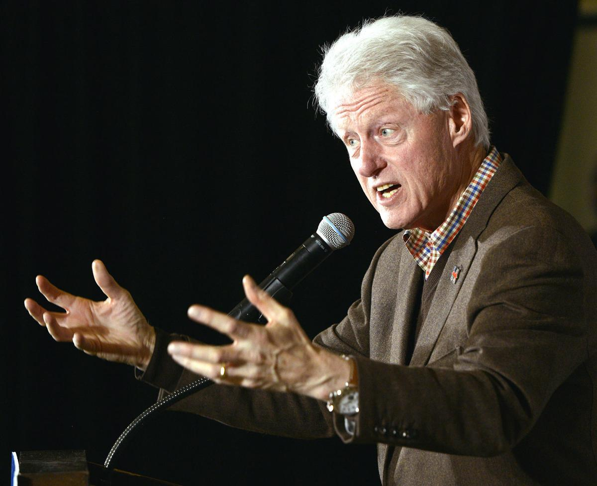 Bill Clinton campaigns for Hillary Clinton