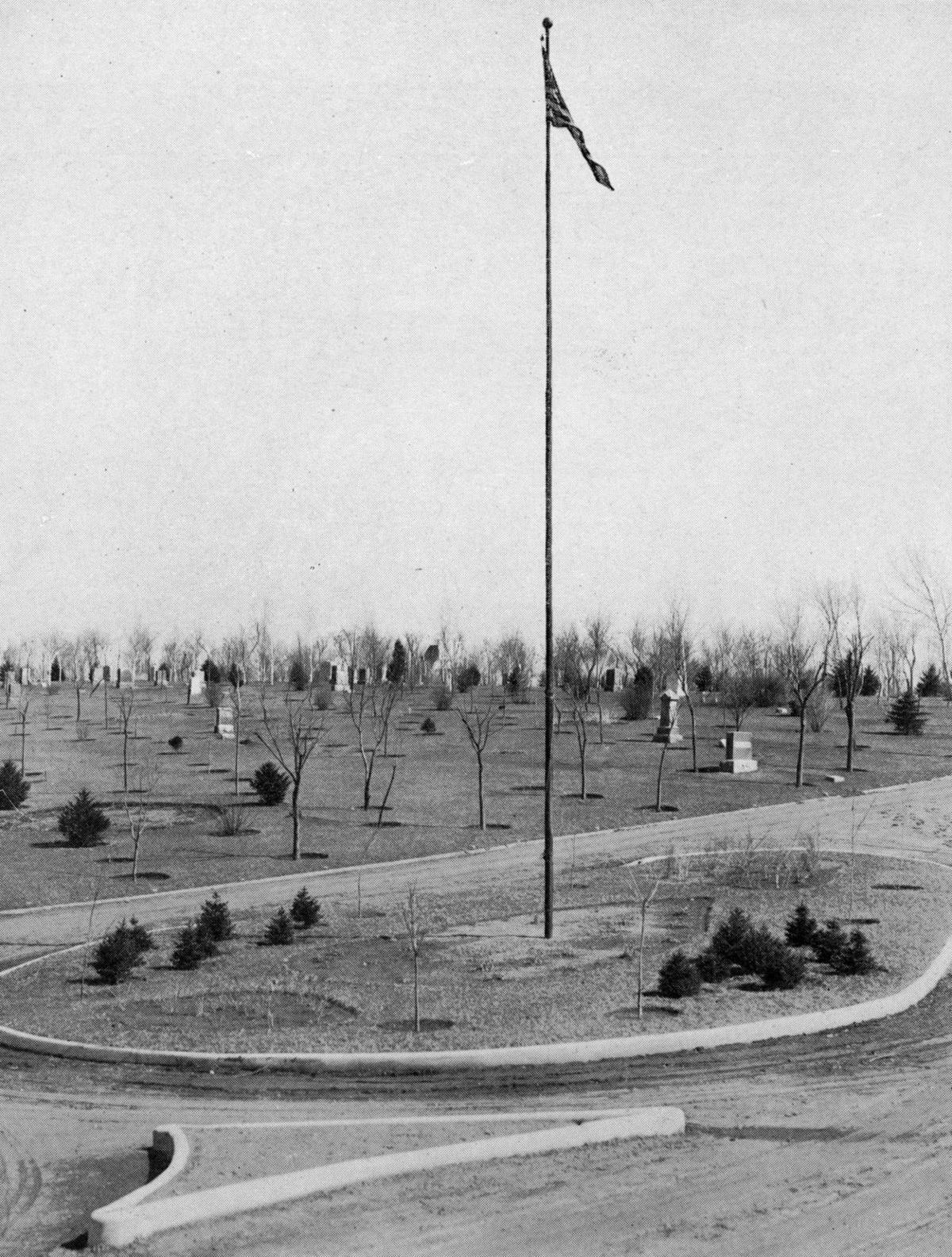 WWI Veterans area at Graceland Cemetery