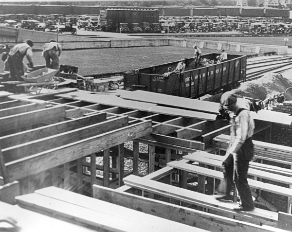Men work on the Cudahy packing plant in Sioux City