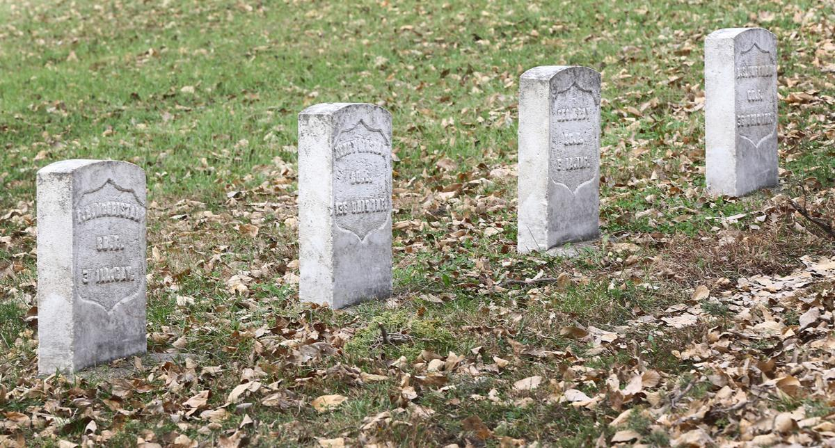 Civil War grave markers at Floyd Cemetery