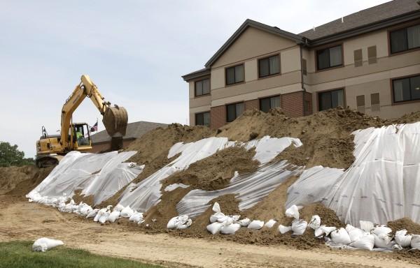 Preparing for Flood June 2, 2011