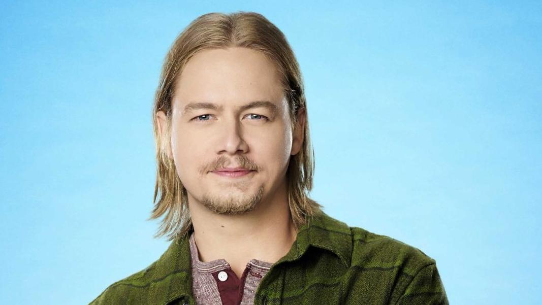 who plays kyle on last man standing