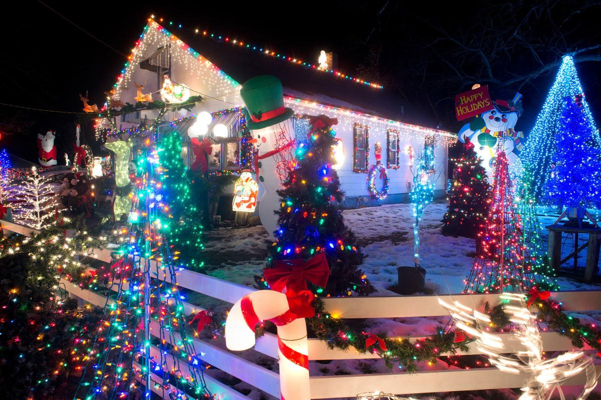 Christmas Drives 2020 Sioux City Iowa 60 years of Christmas lights for South Sioux City family | Local