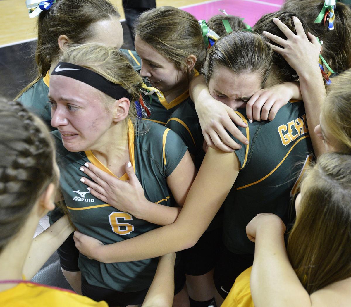 Gehlen Catholic vs Janesville state volleyball
