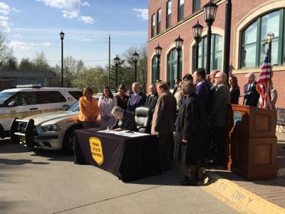 Branstad signs road safety bills